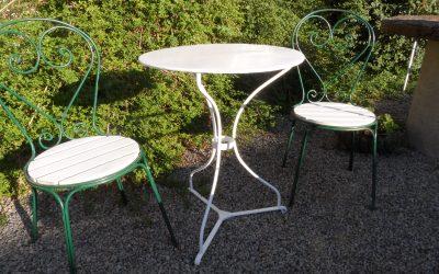 Café grupp med 2 stolar