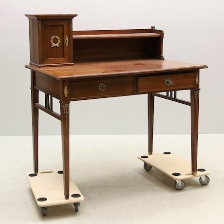 Gustavianskt skrivbord