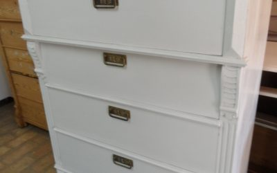 Byrå,-6 lådor